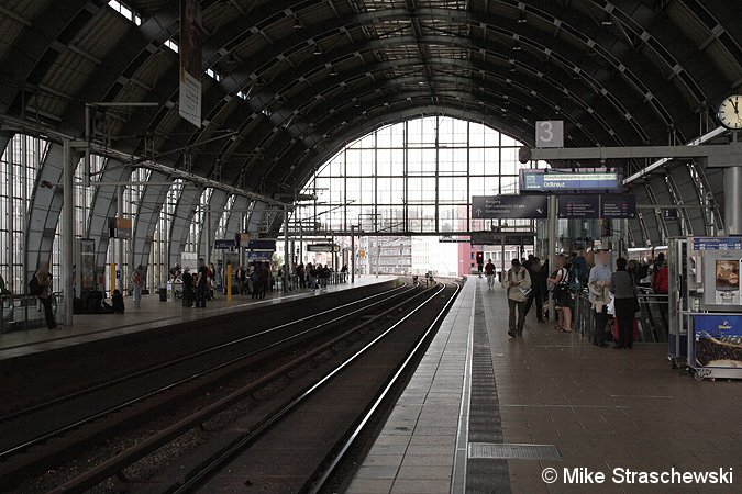 Bild: beide Bahnsteige