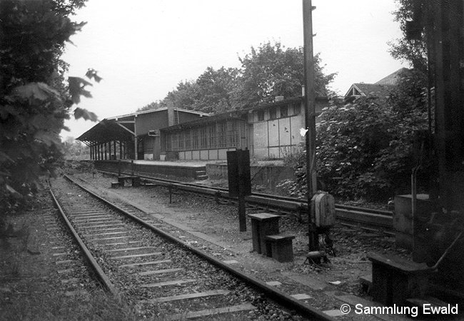 Bild: stillgelegter Bahnsteig