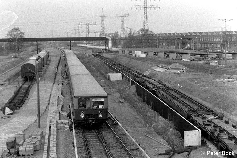 Bild: Bahnsteig im Rohbau