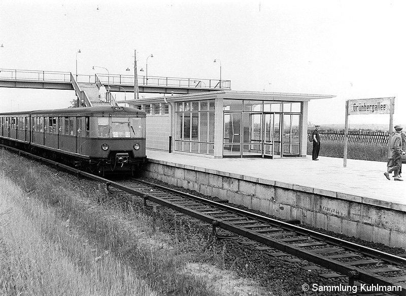 Bild: Bahnsteigansicht im August 1963