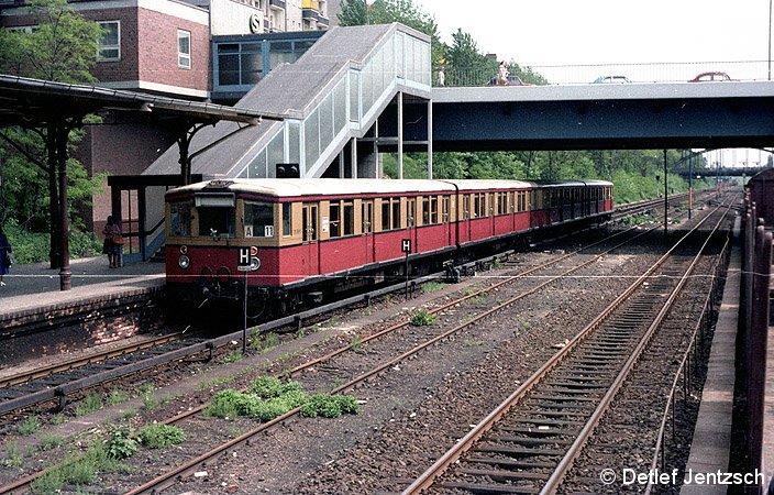 Bild: Zugausfahrt Ri Nkn