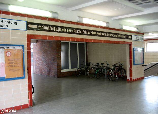 Bild: Zugang von der Invalidenstraße