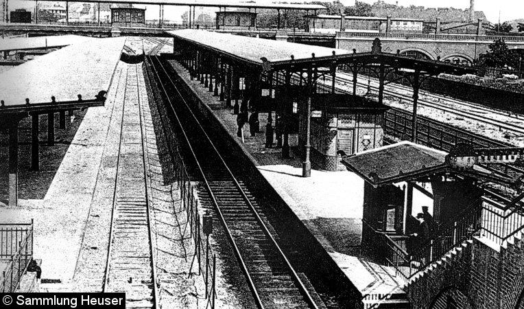 Bild: Blick auf die Bahnsteige D und E