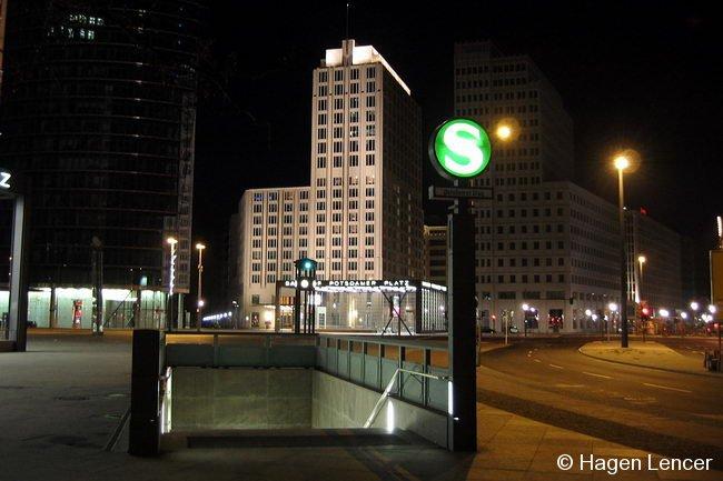 Bild: Potsdamer Platz bei Nacht