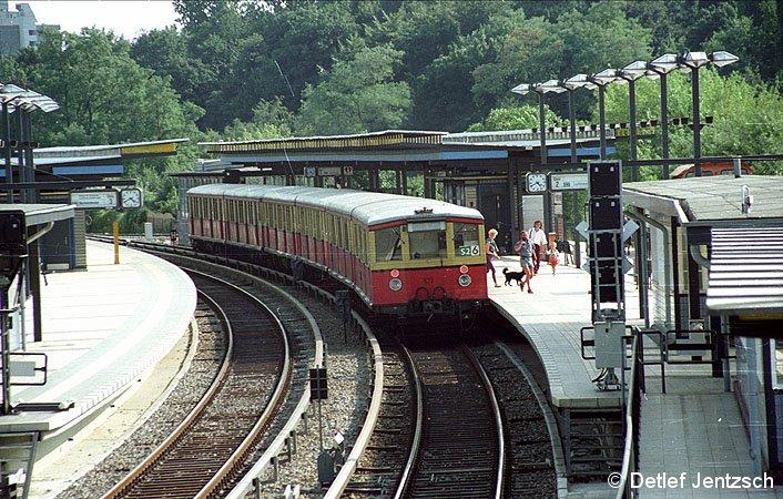 Bild: Zug Richtung Attilastraße