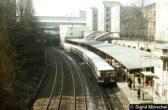 Bild: Bahnhofsansicht mit BR 276