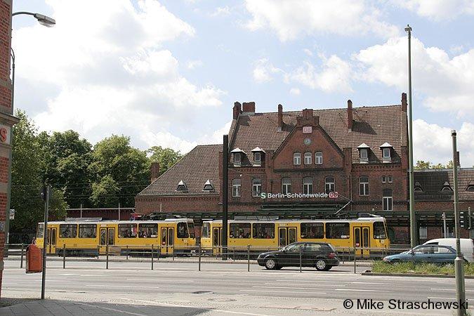Bild: Empfangsgebäude 2006