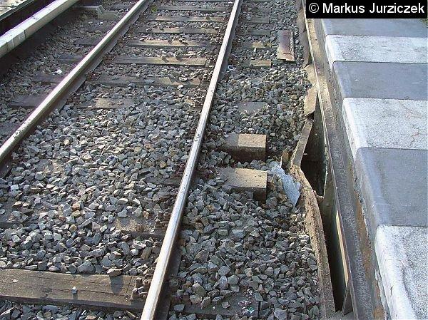 Bild: zerstörtes Schotterbett