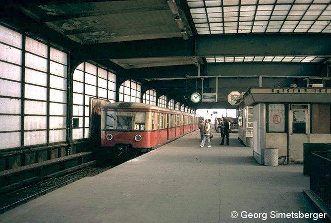 Bild: Zug Richtung Savignyplatz