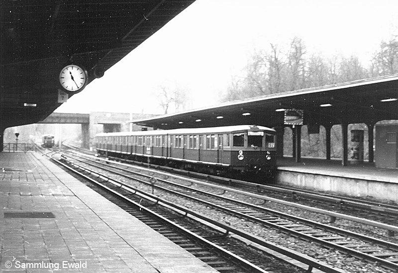 Bild: Blick von Bahnsteig A auf B