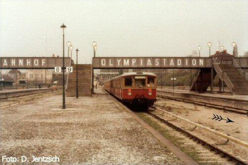 Bild: ausfahrender Zug 1974