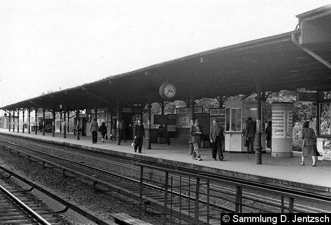 Bild: Bahnsteigansicht Zehlendorf
