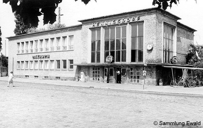 Bild: Empfangsgebäude Hennigsdorf