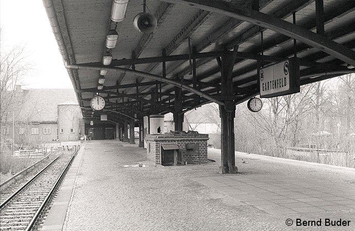 Bild: Bahnsteig Gartenfeld