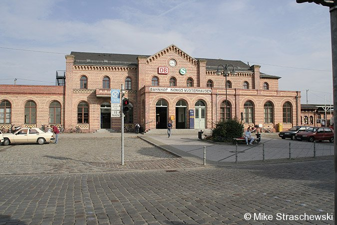 Bild: Empfangsgebäude Königs Wusterhausen